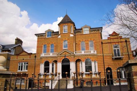 3 bedroom terraced house to rent - Leigham Court Road,  London, SW16