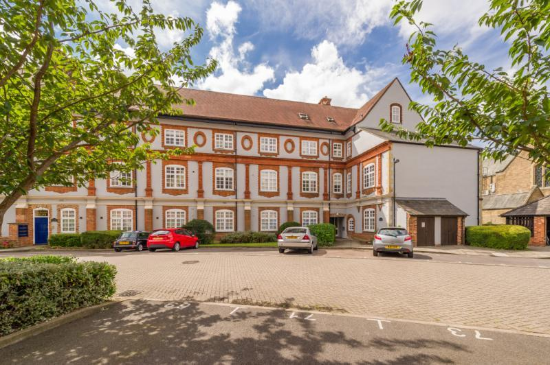 3 Bedrooms Apartment Flat for sale in The Jackson Building, Bennett Crescent, Cowley, Oxford