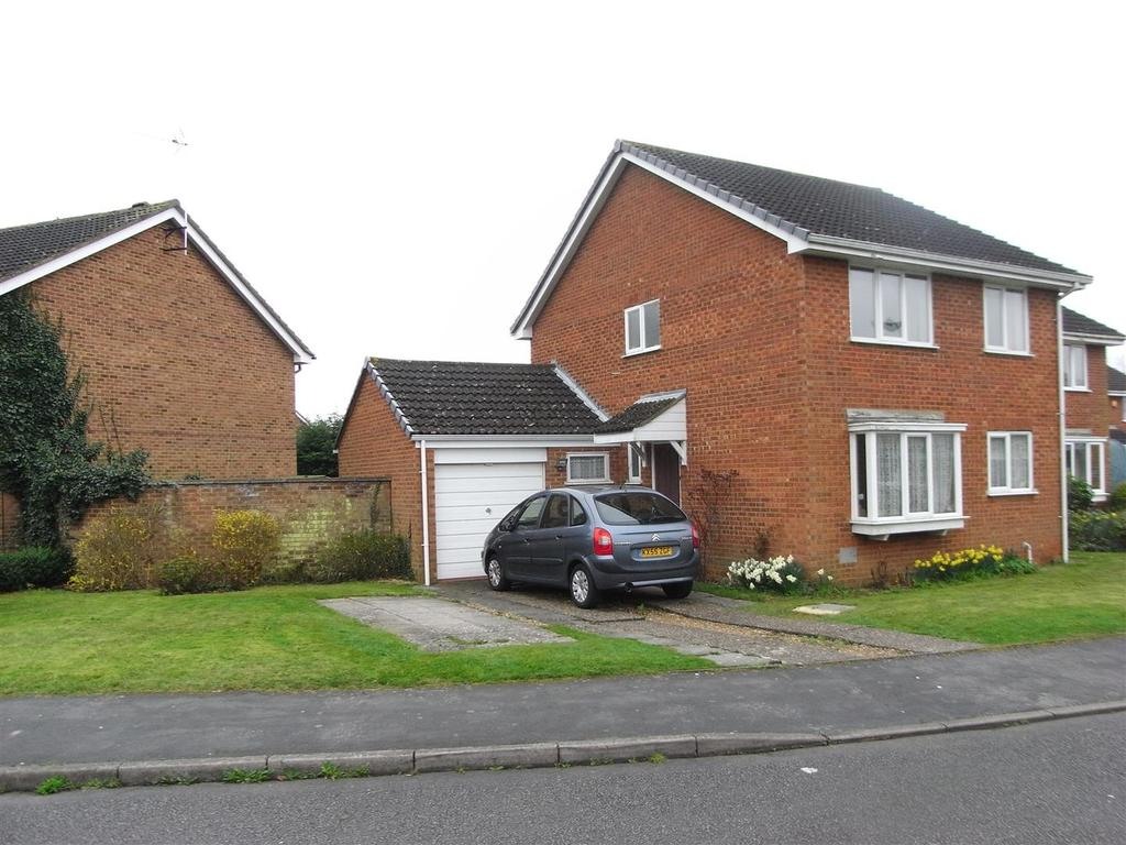 4 Bedrooms Detached House for sale in Gladstone Close, Newport Pagnell