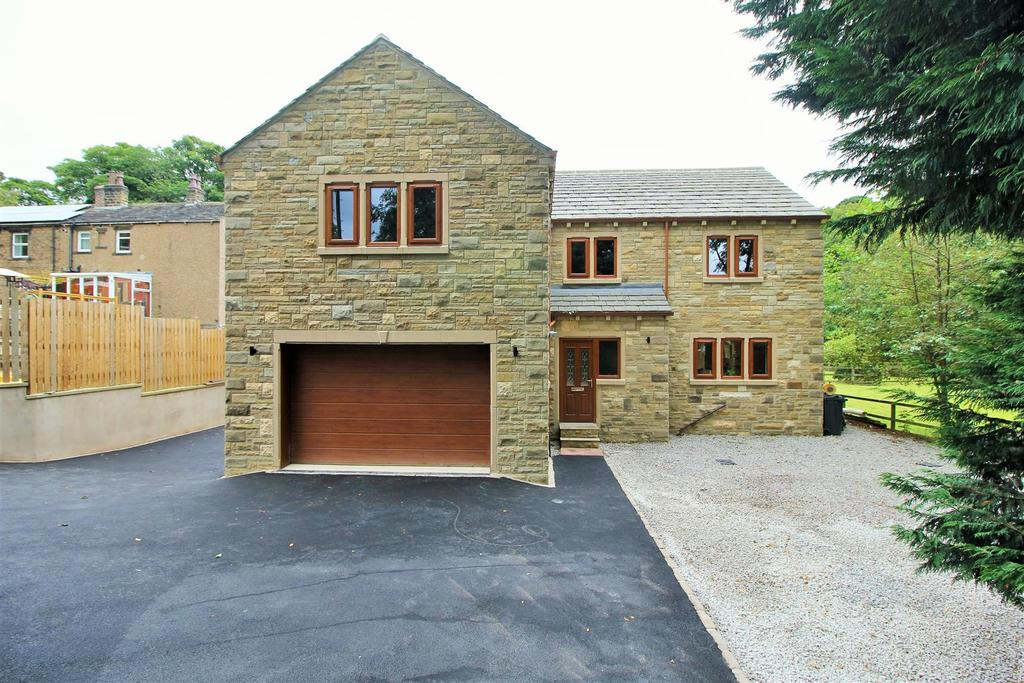 4 Bedrooms Detached House for sale in Brook View, School Lane, Denby Dale, Huddersfield, HD8 8RX
