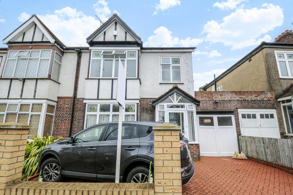 4 Bedrooms Semi Detached House for sale in Harland Road, Lee, SE12