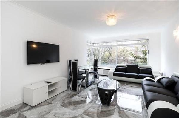3 Bedrooms Flat for sale in DEVONPORT, HYDE PARK, W2