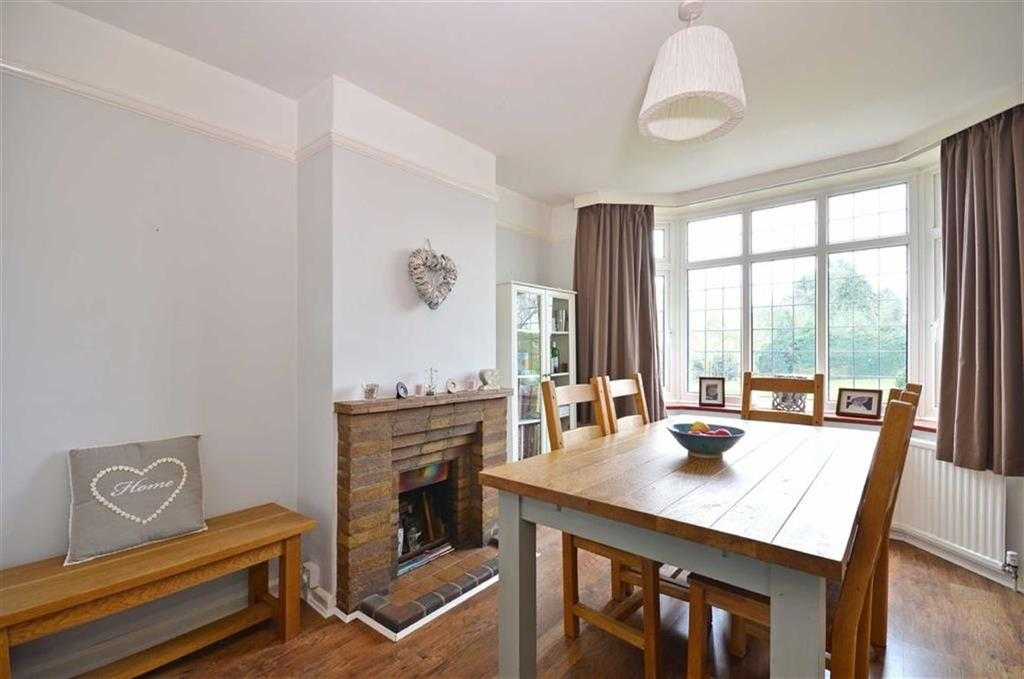 3 Bedrooms Detached House for sale in The Green, Sarratt, Hertfordshire