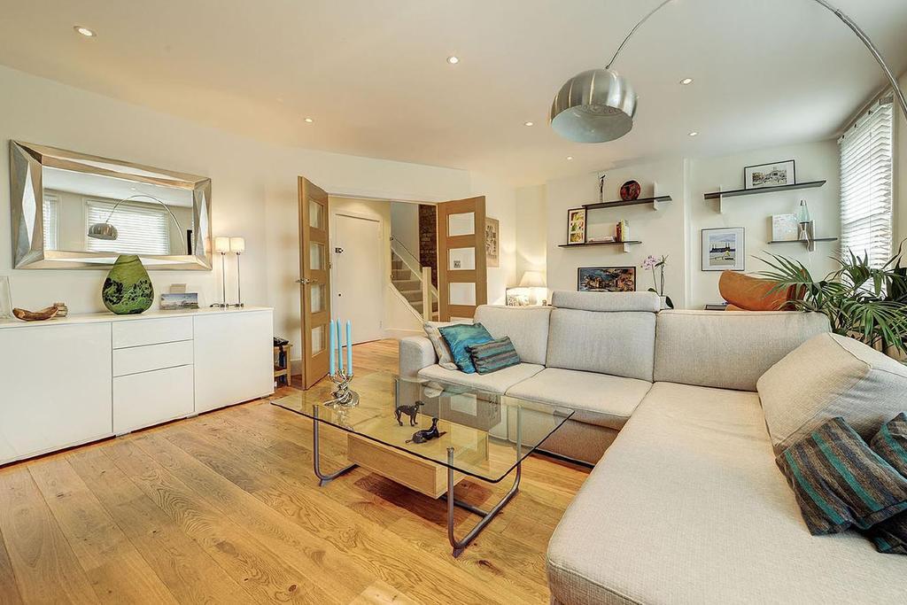 3 Bedrooms Flat for sale in Fairhazel Gardens, South Hampstead