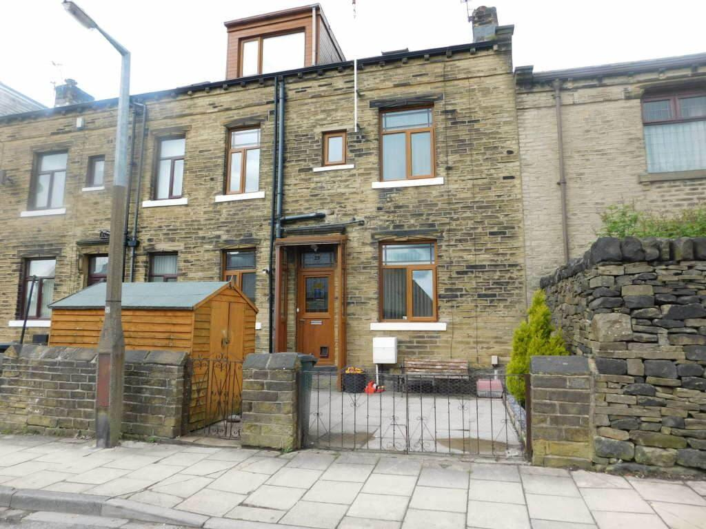 4 Bedrooms Terraced House for sale in North Road, Wibsey, Bradford, BD6 1TR