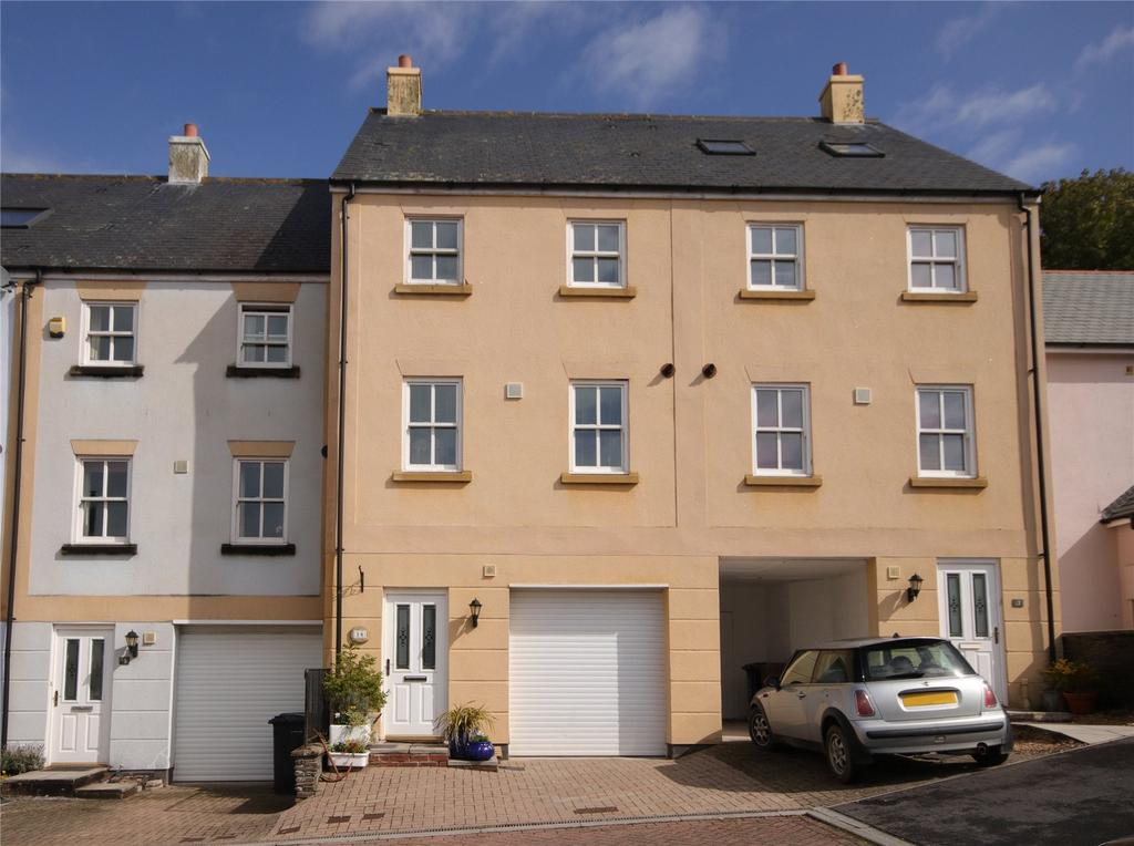 3 Bedrooms Semi Detached House for sale in Scholars Walk, Kingsbridge, Devon, TQ7