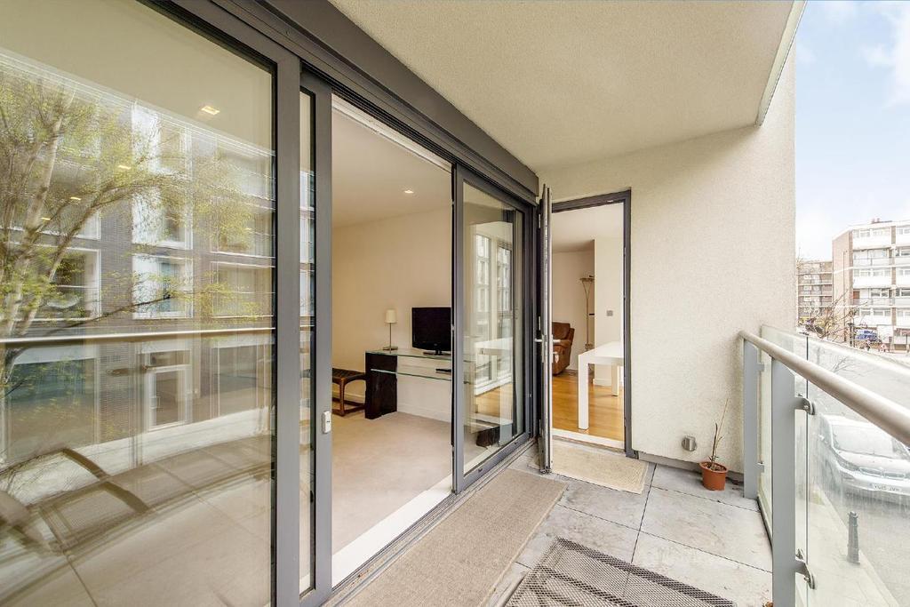 3 Bedrooms Flat for sale in Wenlock Road, Islington