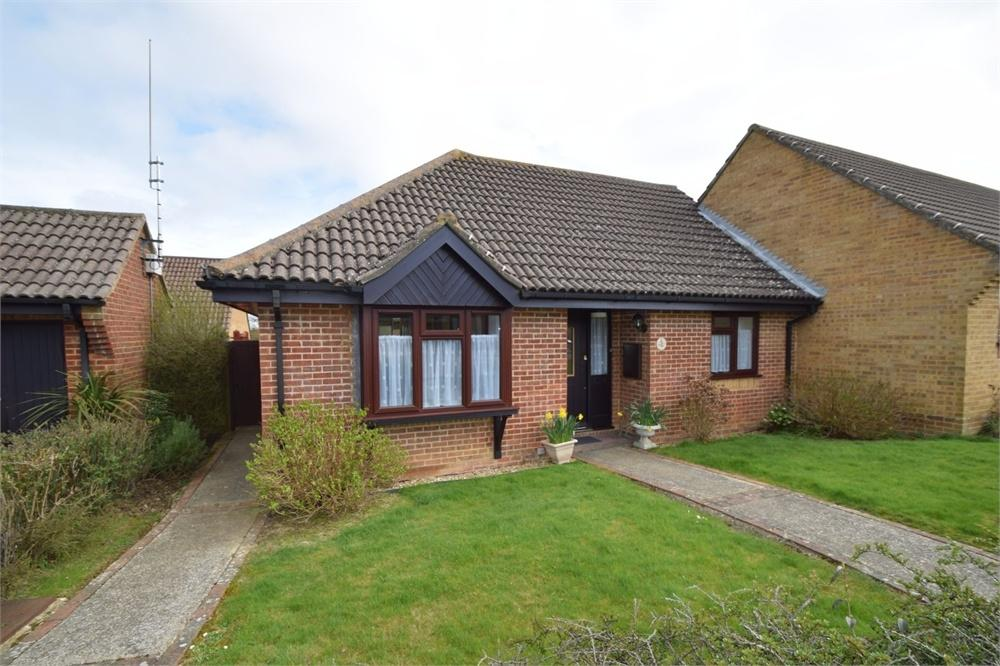 2 Bedrooms Semi Detached Bungalow for sale in The Cedars, Hailsham, East Sussex