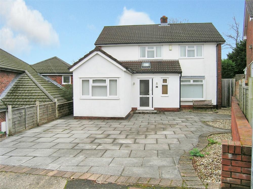 3 Bedrooms Detached House for sale in Torrens Drive, Lakeside, Cardiff