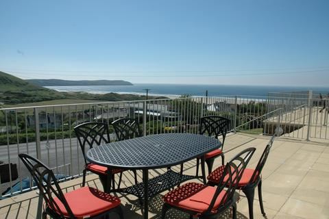 3 bedroom apartment for sale - Headlands Apartments, Beach Road
