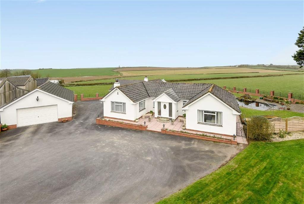 4 Bedrooms Bungalow for sale in Horwood, Bideford, Devon, EX39