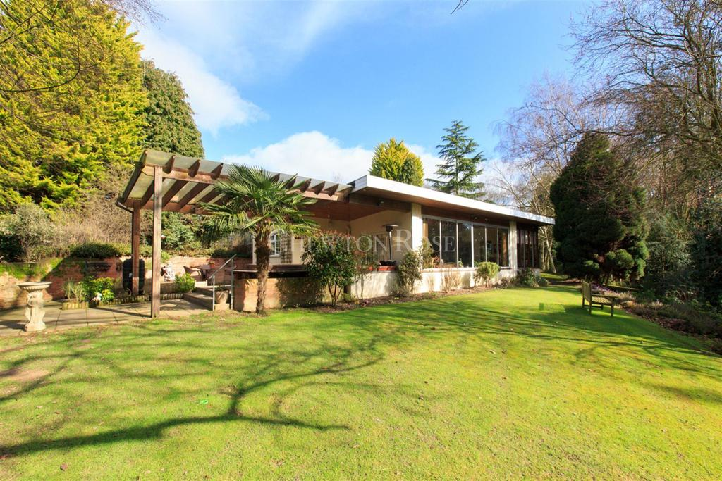 4 Bedrooms Bungalow for sale in Thorrington
