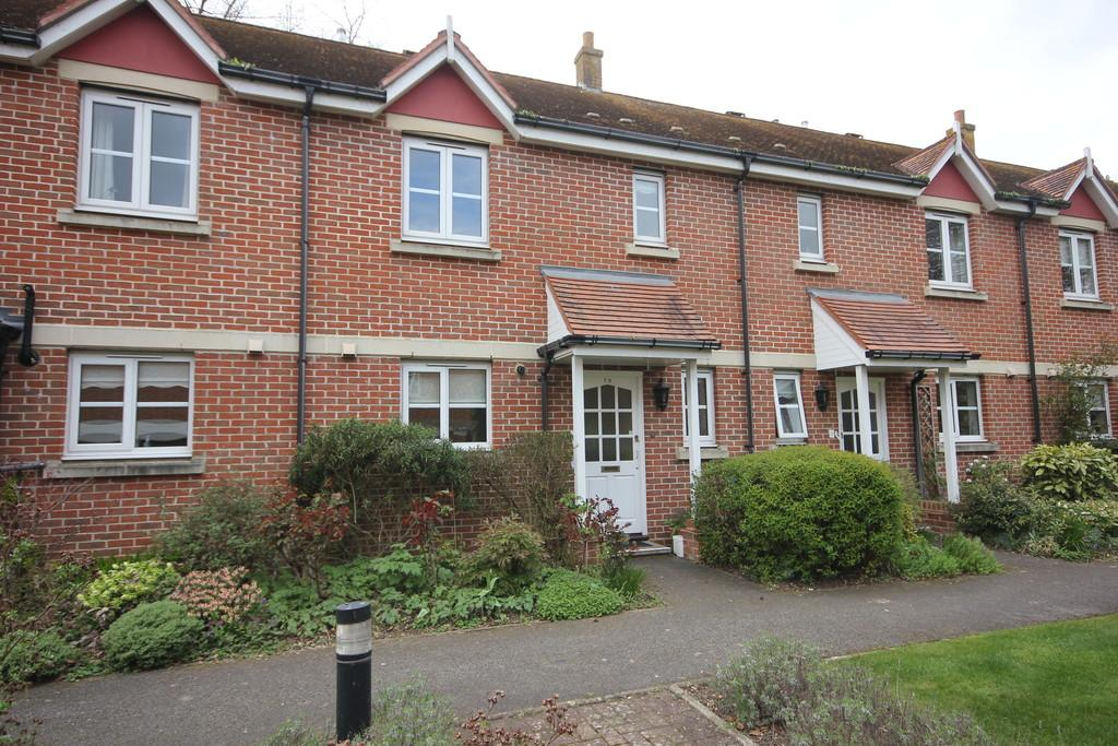 3 Bedrooms Terraced House for sale in ARCHERS COURT, SALISBURY, WILTSHIRE