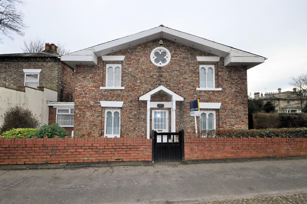 4 Bedrooms Link Detached House for sale in Pontefract Road, Snaith
