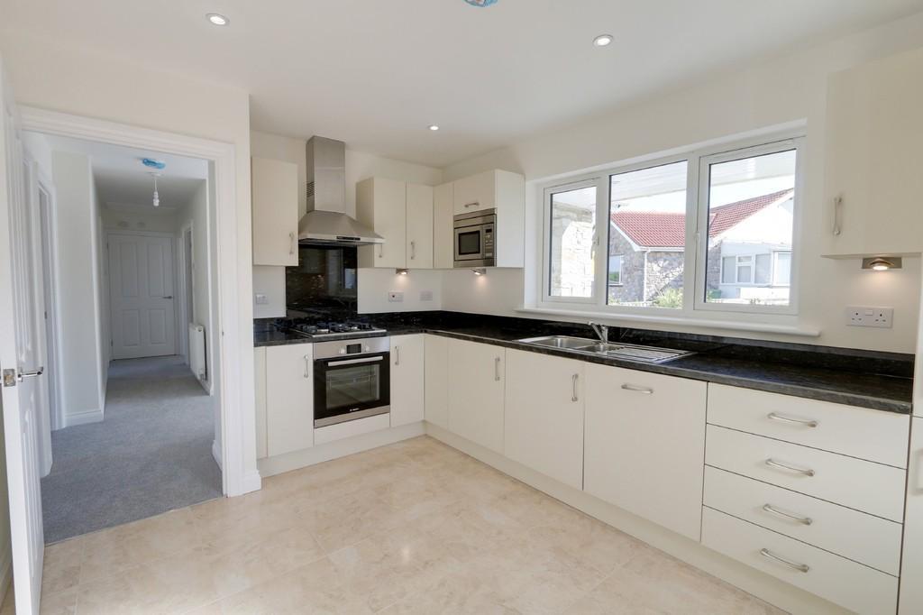 3 Bedrooms Detached Bungalow for sale in Luscombe Close, Ipplepen