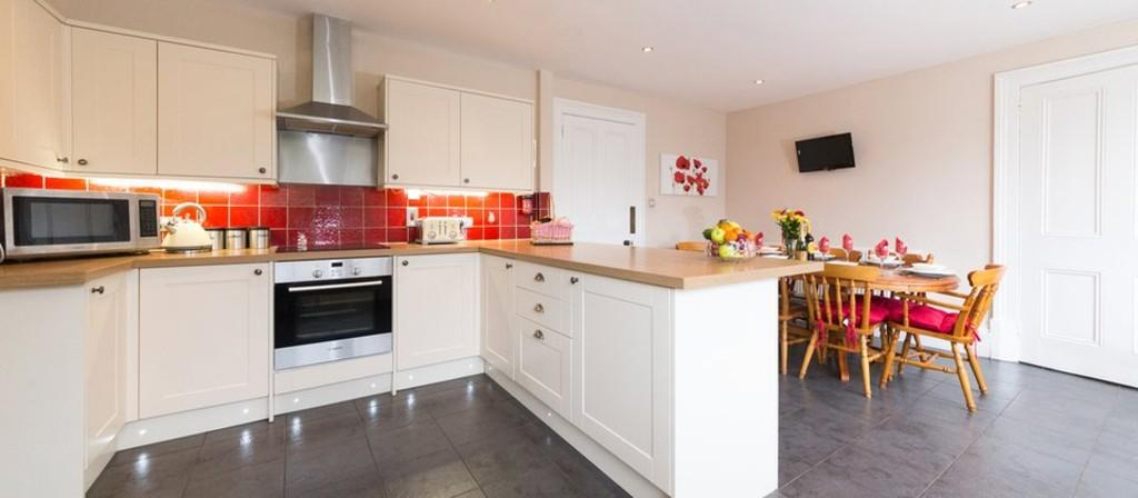5 Bedrooms Detached House for sale in Eastcliff Road, Shanklin