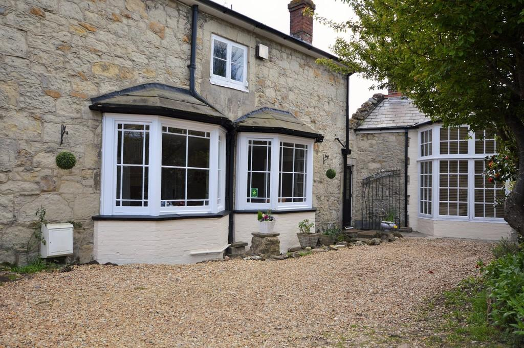 5 Bedrooms Detached House for sale in Shanklin