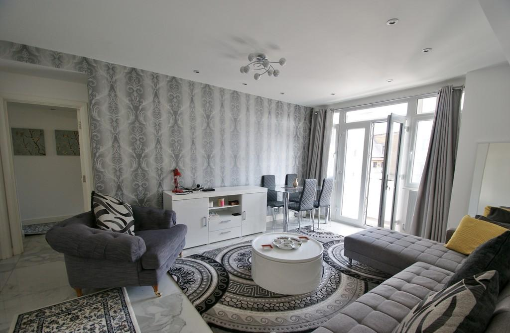 3 Bedrooms Apartment Flat for sale in WALLACE COURT 300-308 OLD MARYLEBONE RD