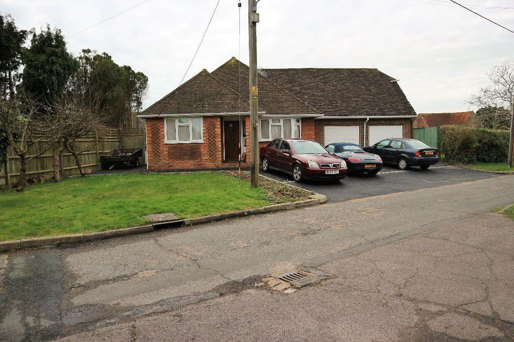 3 Bedrooms Bungalow for sale in Wannock Avenue, Wannock