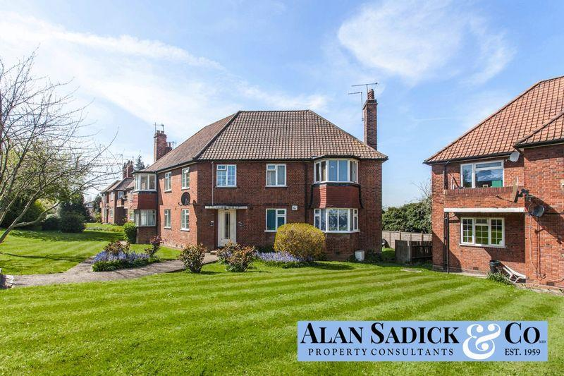 2 Bedrooms Apartment Flat for sale in Edgeworth Close, London