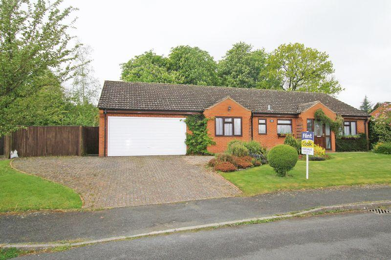 2 Bedrooms Detached Bungalow for sale in BREDENBURY