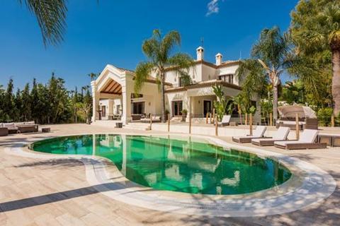 6 bedroom villa  - La Cerquilla, Marbella, Malaga