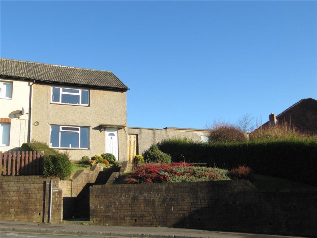 2 Bedrooms Semi Detached House for sale in Chesil Bank, Quarmby, Huddersfield, HD3