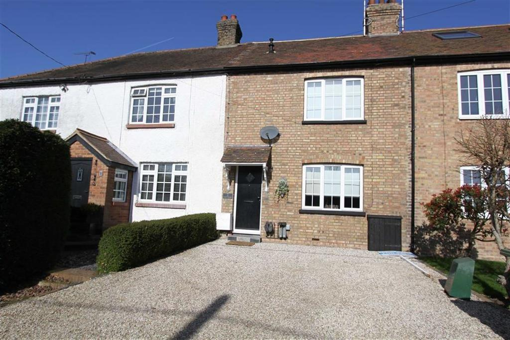 2 Bedrooms Semi Detached House for sale in Coxes Farm Road, Billericay, Essex, CM11 2UB