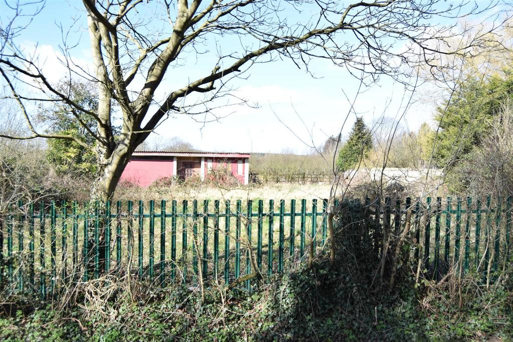 Plot Commercial for sale in Building Land adjacent to, 203 Park Hall Road, Mansfield Woodhouse