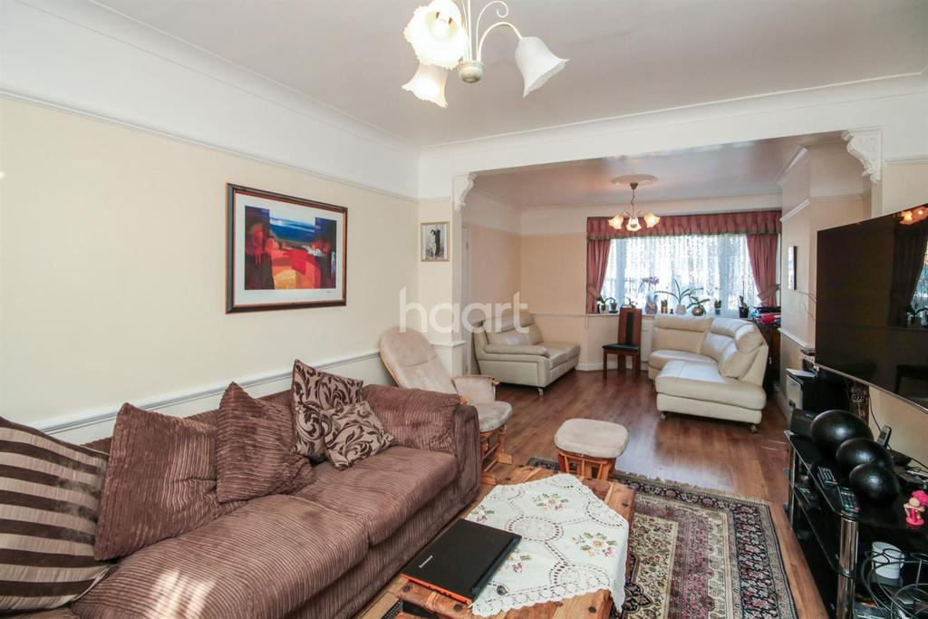 4 Bedrooms End Of Terrace House for sale in Chase Side, Enfield