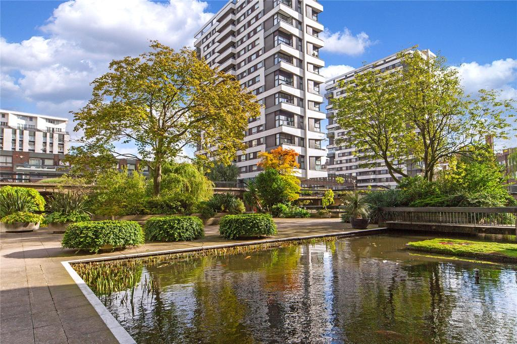 1 Bedroom Flat for sale in The Water Gardens, London