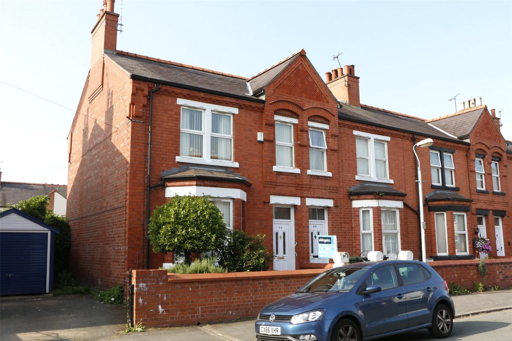 3 Bedrooms End Of Terrace House for sale in Beechley Road, Wrexham, LL13