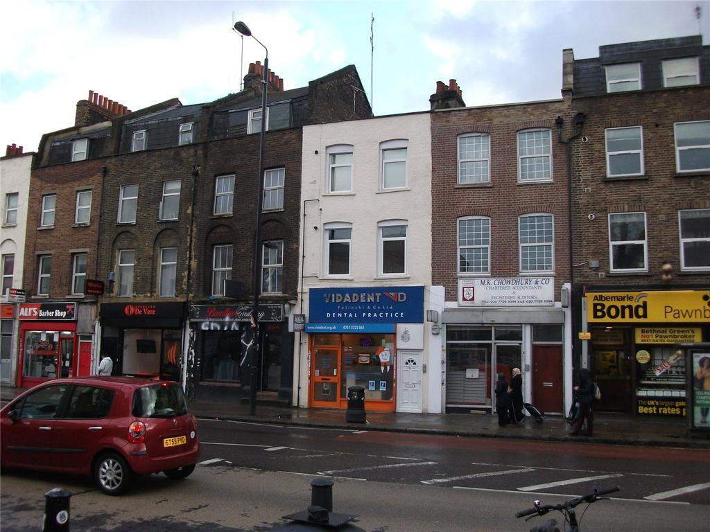 House for sale in Bethnal Green Road, Bethnal Green, E2