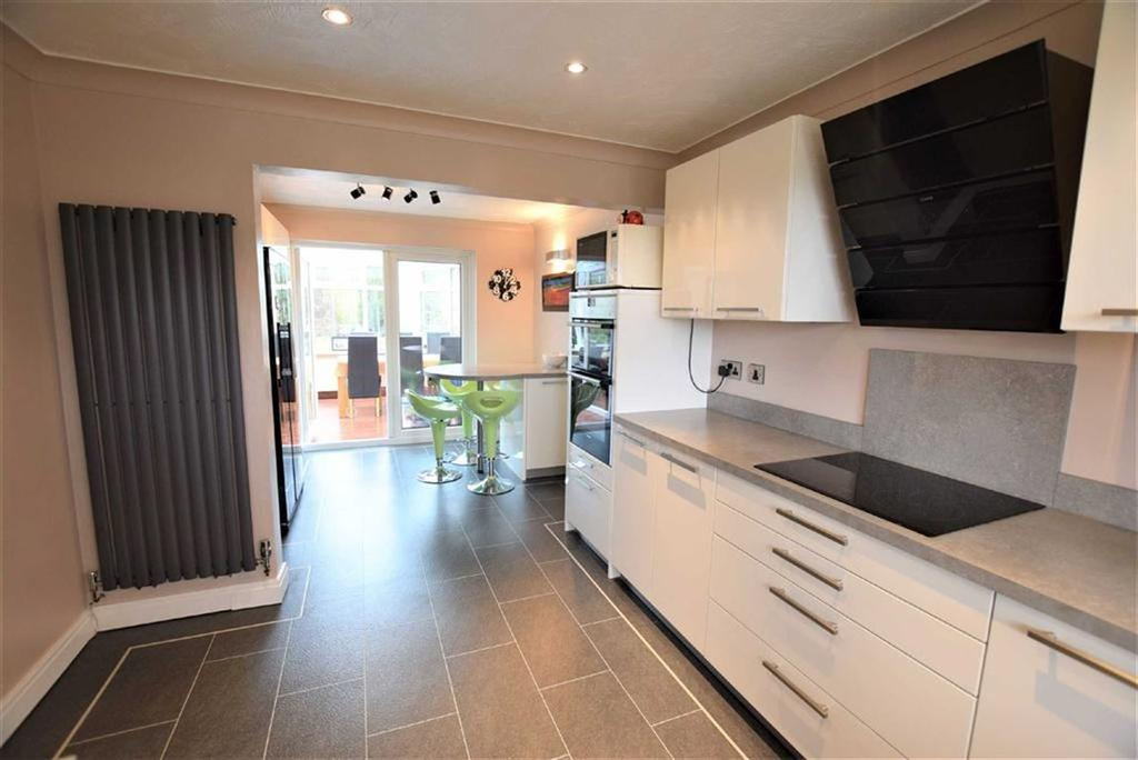 4 Bedrooms Detached House for sale in Banks Bridge Close, Barnoldswick, Lancashire