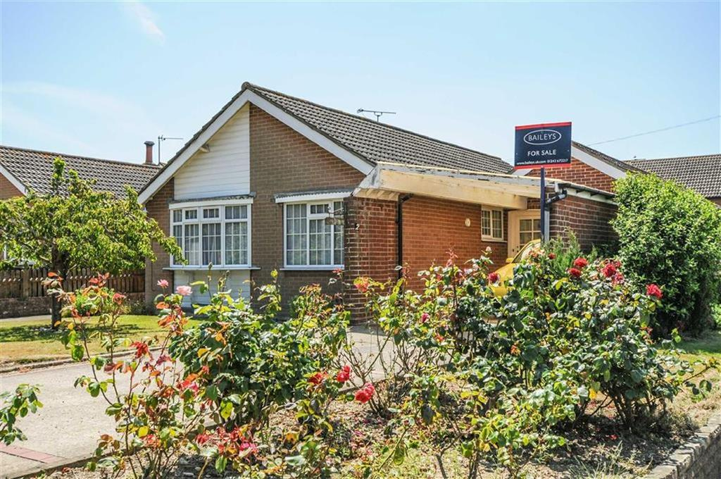 2 Bedrooms Detached Bungalow for sale in Church Road, East Wittering, West Sussex