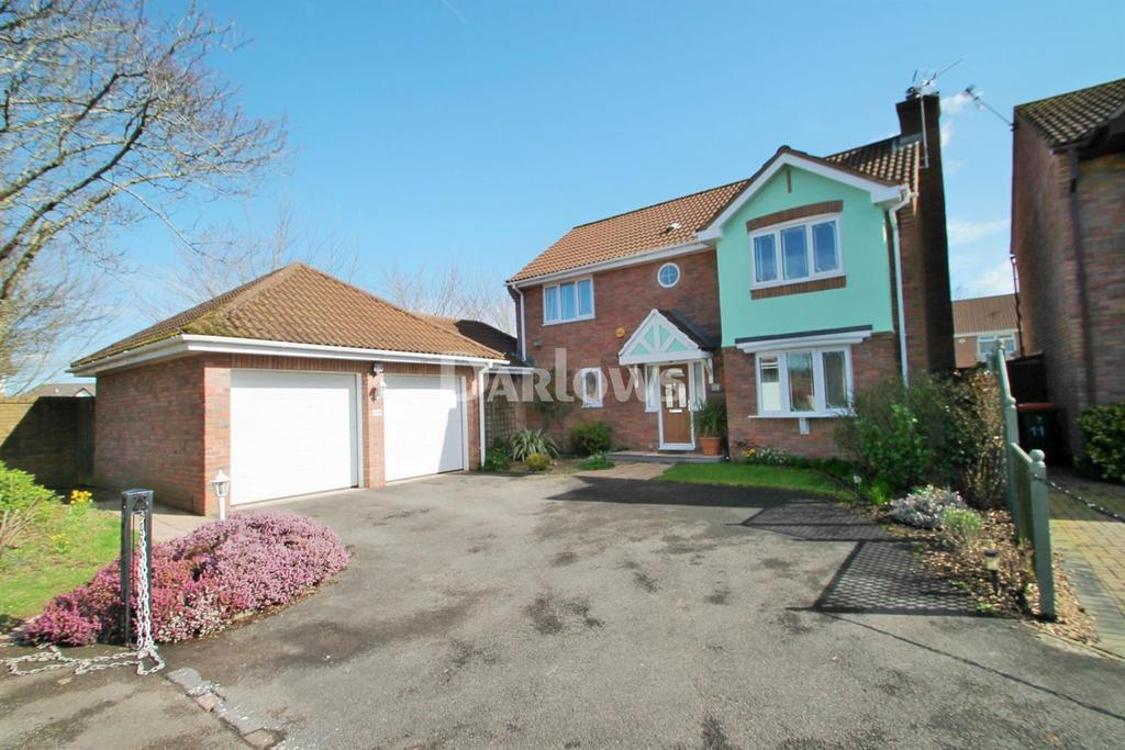 4 Bedrooms Flat for sale in The Meadows, Marshfield, Cardiff