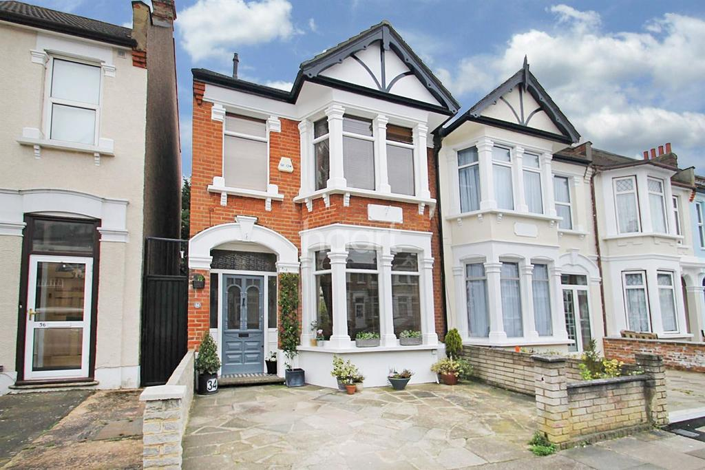 3 Bedrooms End Of Terrace House for sale in Colenso Road, Ilford, Essex