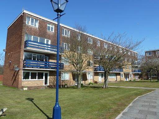 3 Bedrooms Flat for sale in Eldon Court, St Annes, FY8