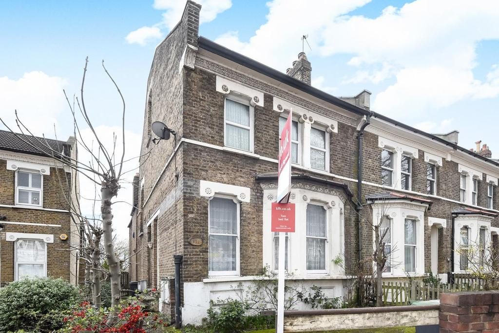 2 Bedrooms Flat for sale in Stanstead Road, Catford, SE6