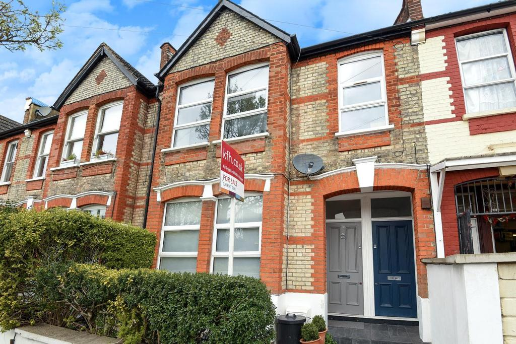 3 Bedrooms Flat for sale in Cobbold Road, Shepherds Bush