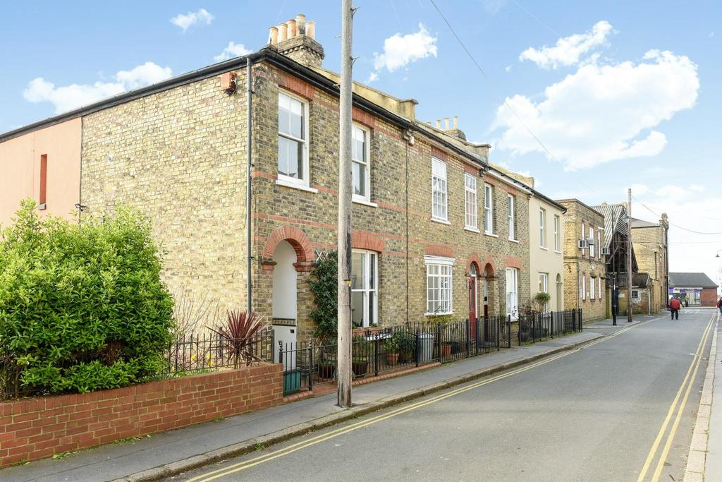 3 Bedrooms Terraced House for sale in Carberry Road, Crystal Palace, SE19