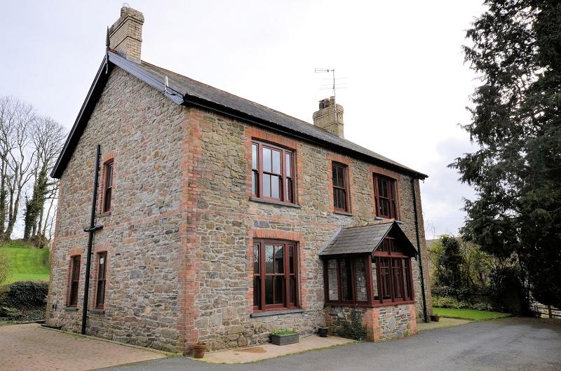 5 Bedrooms Land Commercial for sale in Penderi , Llanfallteg, Whitland, Carmarthenshire. SA34 0UP