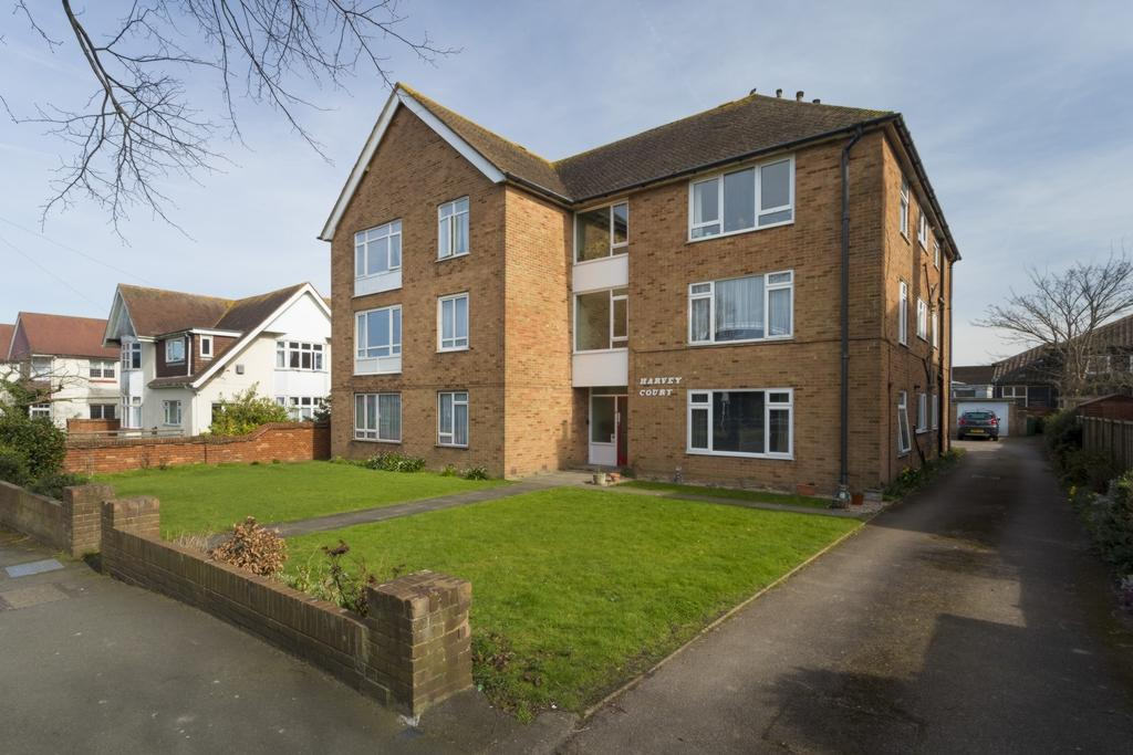 2 Bedrooms Flat for sale in Cherry Garden Avenue, Folkestone, CT19