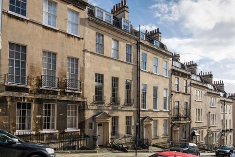 3 bedroom maisonette to rent - Park Street