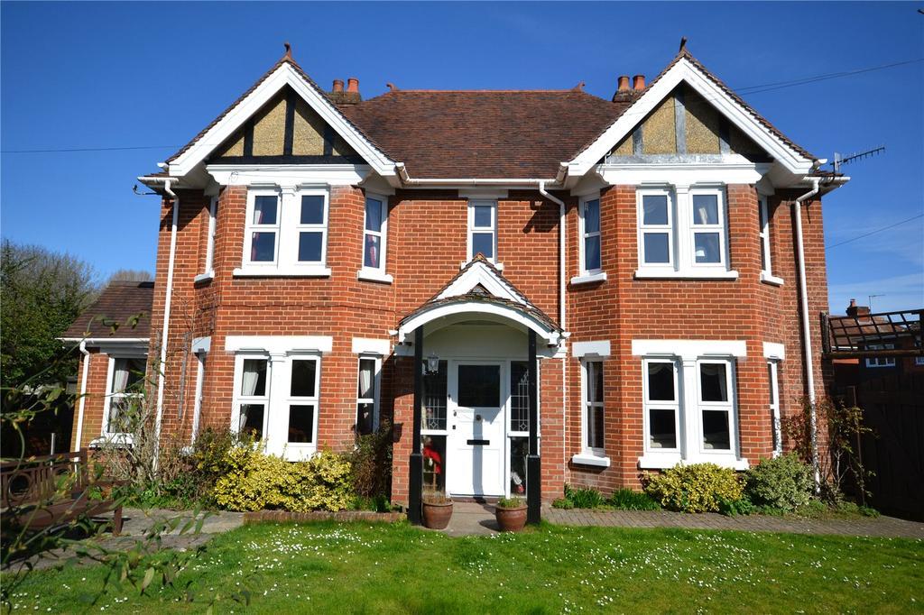 4 Bedrooms Detached House for sale in Harnham Road, Salisbury
