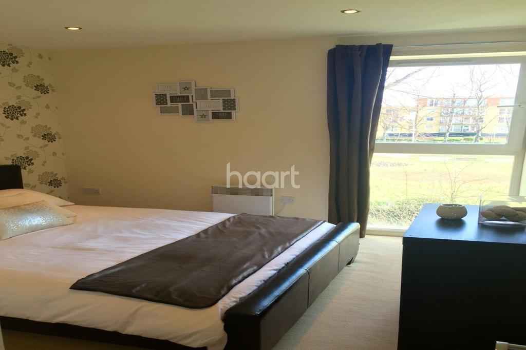 2 Bedrooms Flat for sale in Regal House, Newbury Park