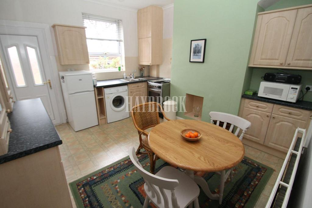 2 Bedrooms Terraced House for sale in Queen Street, Clifton