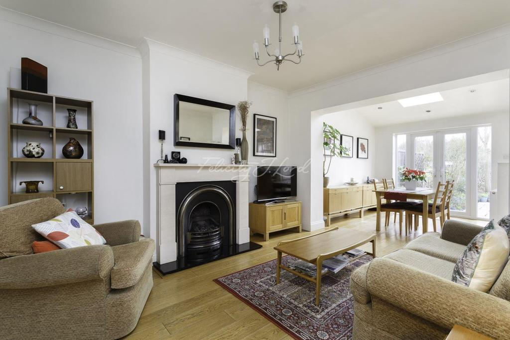 4 Bedrooms Semi Detached House for sale in Zangwill Road, SE3