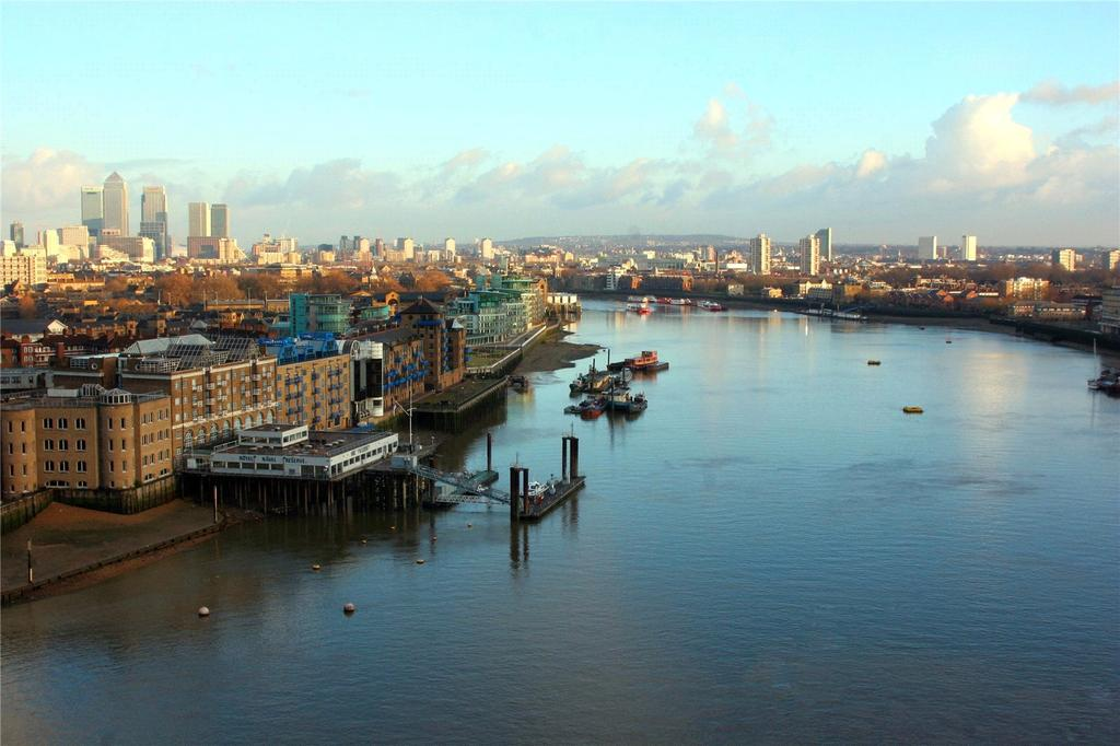 3 Bedrooms Flat for sale in Maritime Building, Royal Wharf