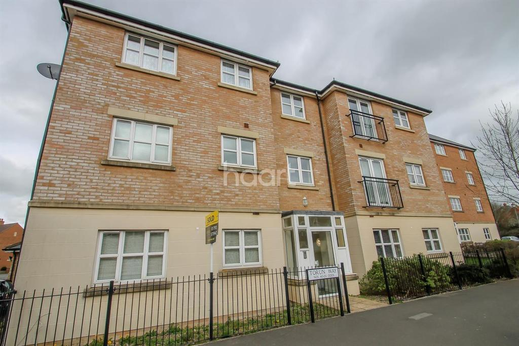 2 Bedrooms Flat for sale in Torun Way, Haydon End, Swindon